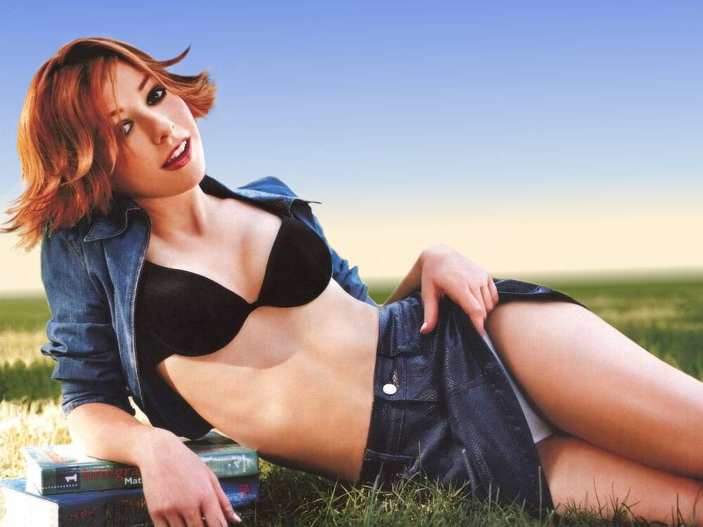Alyson Hannigan - Photos