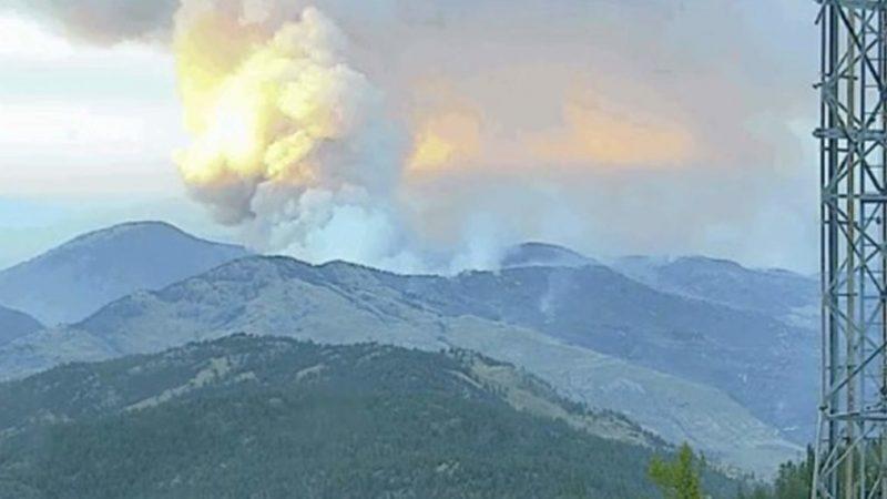 Le feu de forêt engloutit le lieu de tournage des gens du Bush d'Alaska