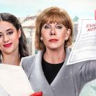 Christine Baranski complote pour scrooge pendant Noël dans la comédie musicale Netflix de Dolly Parton - Obtenez la date de sortie