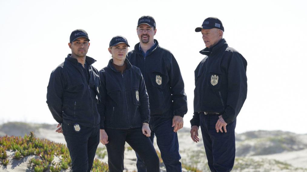 'NCIS' est de retour pour la saison 18!  Le casting revient pour la lecture de table (PHOTOS)