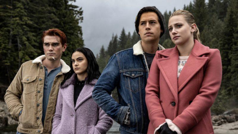 Les 2 premiers titres des épisodes de la saison 5 de « Riverdale » révélés alors que le tableau commence