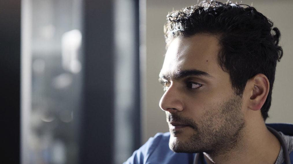 Premier coup d'œil à « Transplant »: Rencontrez le plus récent doc de NBC qui vous séduira (VIDEO)