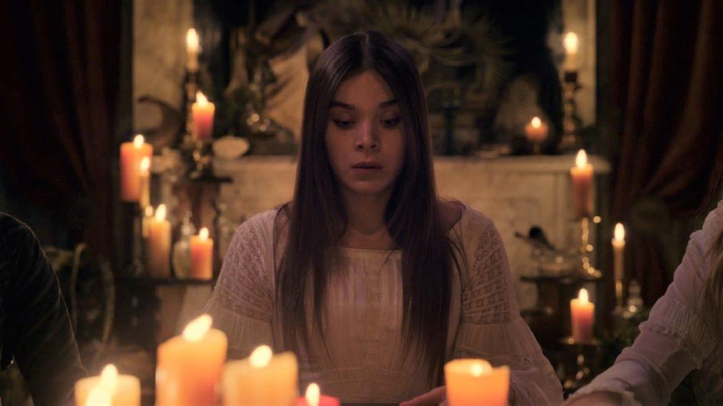« Dickinson » renouvelé avant la première de la saison 2: regardez Emily Summon Fame dans Teaser (VIDEO)