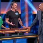 'Celebrity Family Feud': Scott Foley taquine sa technique de baisers (VIDEO)
