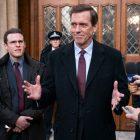 Roush Review: Dans Roadkill, Hugh Laurie regarde une nouvelle maison: 10 Downing St.