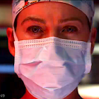 La promotion New Grey's Anatomy / Station 19 salue les travailleurs essentiels `` qui se présentent toujours pour sauver la journée ''