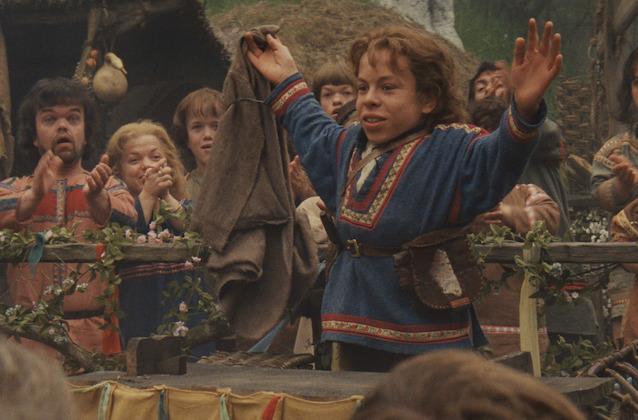 Willow Sequel Series a Go à Disney +, Warwick Davis reprend son rôle-titre