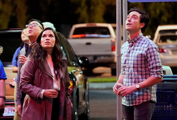 America Ferrera quitte Superstore: les EP décomposent la grande décision « émotionnelle » d'Amy et Jonah dans le 100e épisode