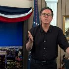 Stephen Colbert donne un monologue émotionnel `` Late Show '' sur les mensonges de l'élection Trump (VIDEO)