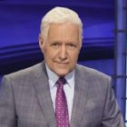 Les meilleurs moments d'Alex Trebek de «Jeopardy», «SNL» et plus (VIDEO)