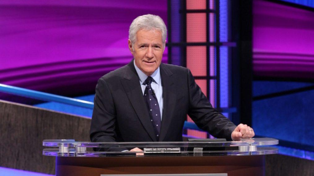 « Jeopardy! »: Tout ce que nous savons sur un hôte de remplacement pour l'irremplaçable Alex Trebek