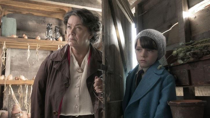 Roald & Beatrix: La queue de la souris curieuse – Premier coup d'oeil Photos promotionnelles de Dawn French en tant que Beatrix Potter et Harry Tayler en tant que Roald Dahl