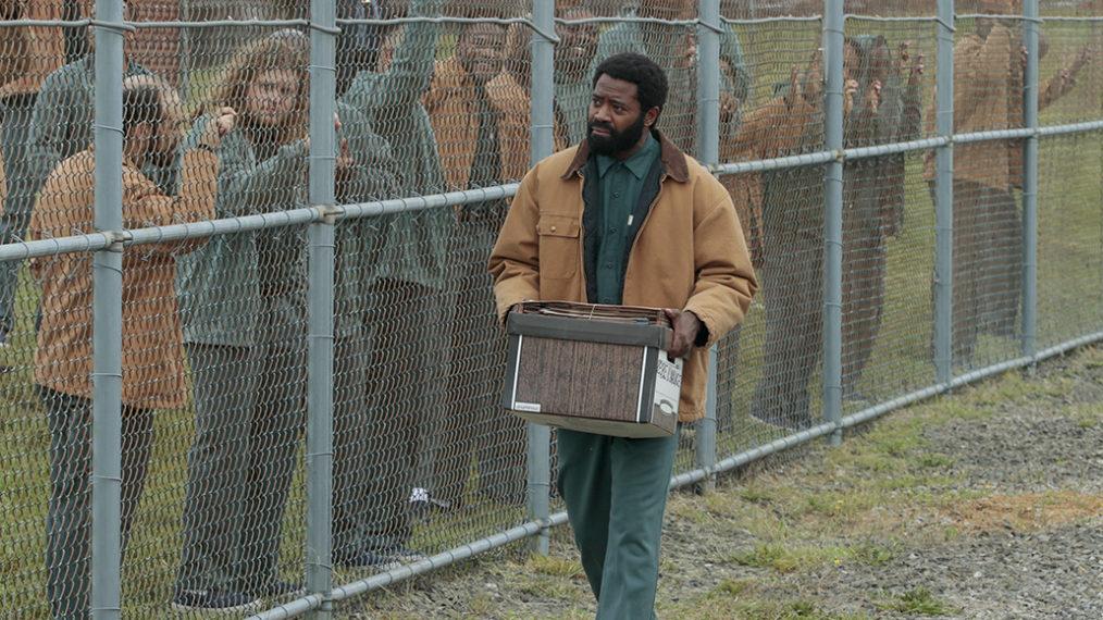 Nicholas Pinnock de 'For Life sur la première de la saison 2 et la vie d'Aaron en dehors de la prison