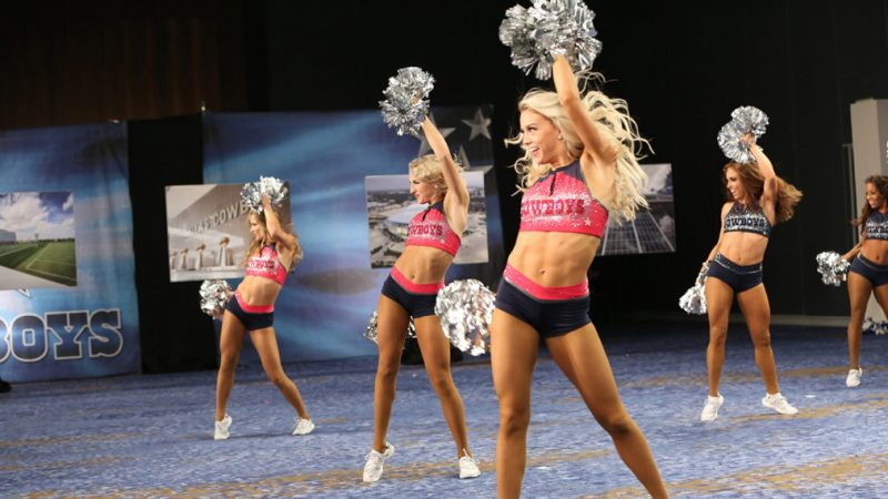 Comment « Dallas Cowboys Cheerleaders: Making the Team » s'adapte au COVID-19 dans la saison 15