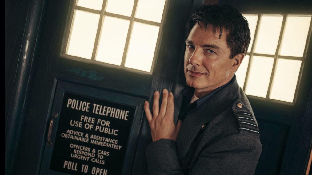 'Doctor Who': John Barrowman reviendra en tant que Jack Harkness pour le spécial vacances (VIDEO)