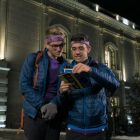 `` The Amazing Race '': Will et James lancent la première méga étape dans Sneak Peek (VIDEO)
