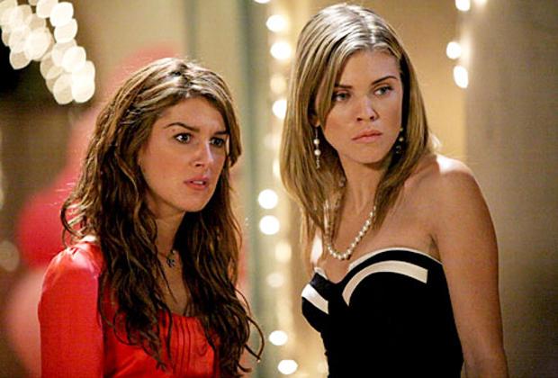 90210 Cast rires à propos du drame dans les coulisses de la nouvelle réunion spéciale: « Je voulais étrangler cette petite poulette »