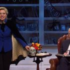 Hillary Clinton de SNL avertit Joe Biden que Trump pourrait voler l'élection lors d'un Cold Open sur le thème d'Halloween