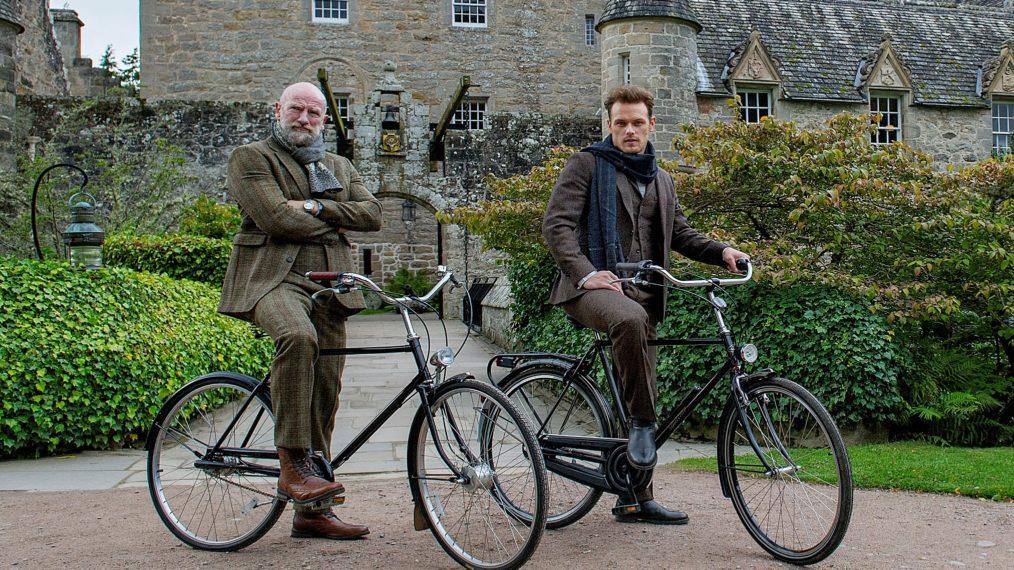 Sam Heughan et Graham McTavish de l'Outlander définissent la première de « Men in Kilts » à Starz