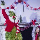 A regarder: un 'Grinch' musical, 'Christmas Light Fight', 'Race' Sprints Through Manille, 'Alabama Snake' de HBO