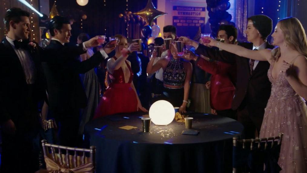 Bande-annonce de la saison 5 de 'Riverdale': Plus de cassettes vidéo et les retombées du baiser de Betty et Archie (VIDEO)