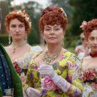Le showrunner de Bridgerton taquine un `` monde d'Escapest '' plus risqué que celui de Jane Austen