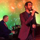 Josh Groban interprète `` The Impossible Dream '' pour le spécial `` United in Song '' de PBS (VIDEO)