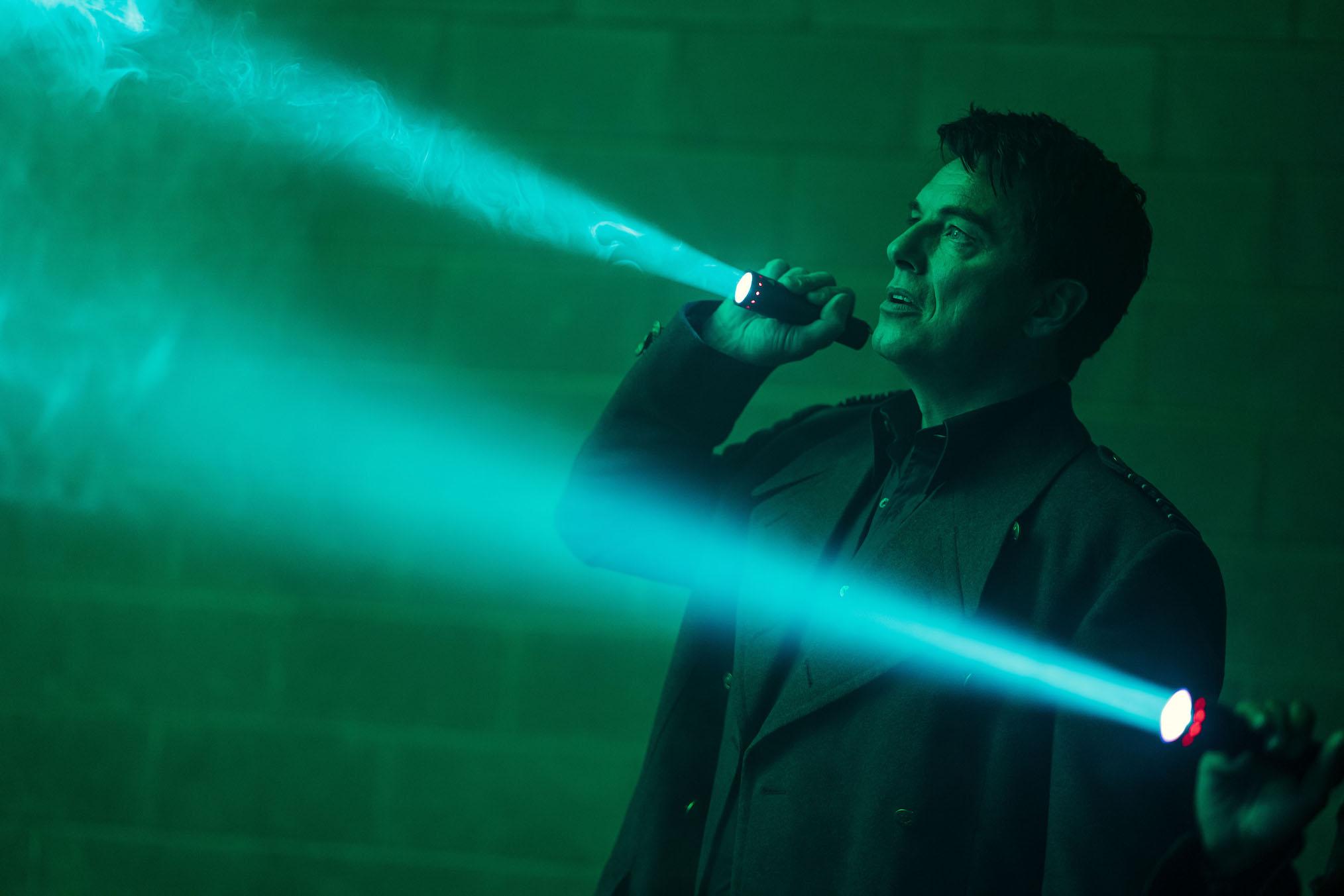 John Barrowman Doctor Who Révolution des Daleks Capitaine Jack Harkness