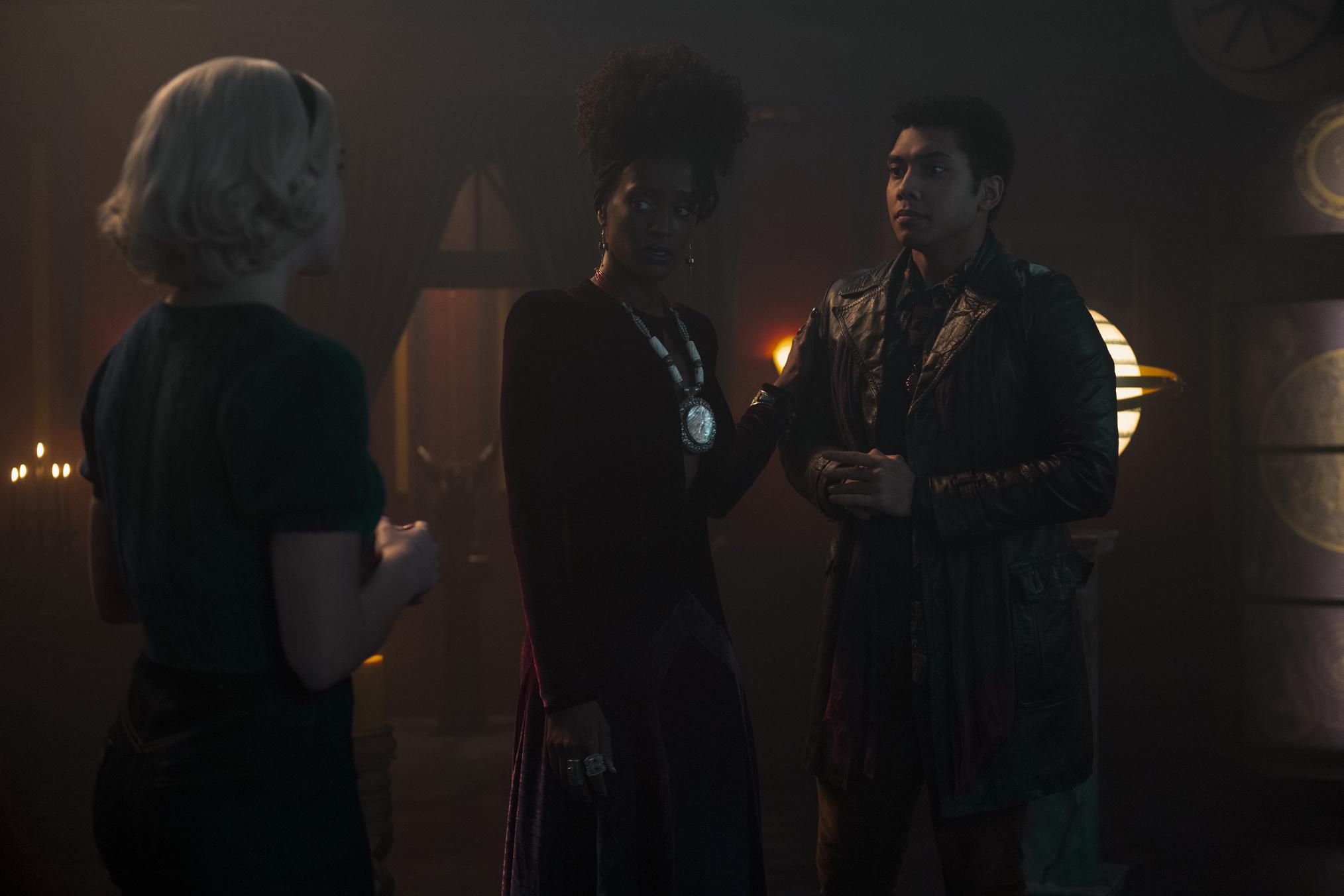 Kiernan Shipka, Chance Perdomo, Skye P Marshall dans Chilling Adventures of Sabrina Chapitre 33