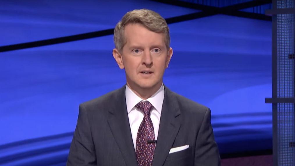 'Péril!'  Offre un premier aperçu de Ken Jennings en tant qu'hôte invité (VIDEO)