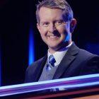 Roush Review: Sur `` Jeopardy !, '' le spectacle continue avec Ken Jennings