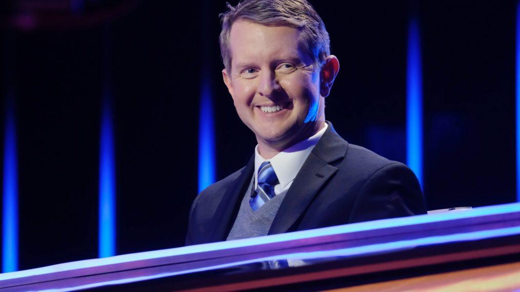 Roush Review: Sur « Jeopardy !, » le spectacle continue avec Ken Jennings