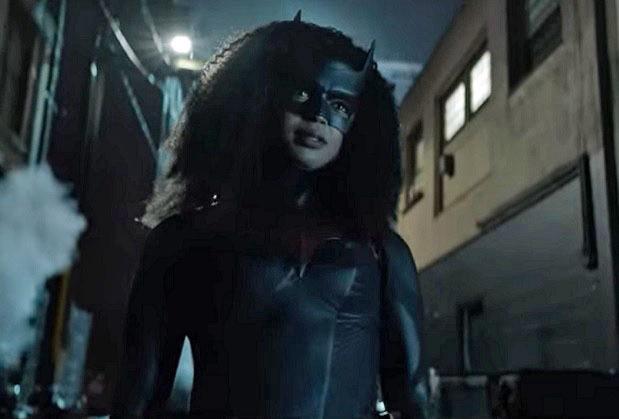 Javicia Leslie de Batwoman présente l'histoire de Black Lives Matter dans la saison 2: Sophie « travaille pour l'homme »