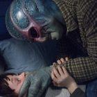 Roush Review: 'Resident Alien' joue ce X-File pour rire