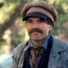 Dickinson Sneak Peek: Timothy Simons se fait salir les mains en tant que designer de Central Park Frederick Law Olmsted