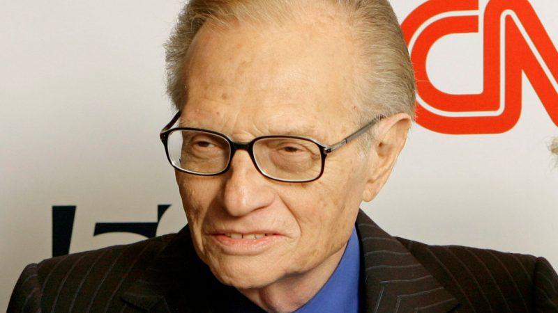 Larry King, intervieweur légendaire et animateur de Larry King Live, mort à 87 ans