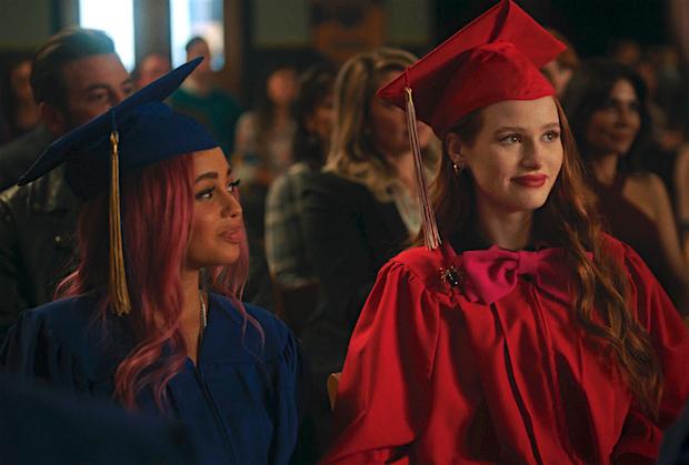 Récapitulatif de Riverdale: C'est l'heure de la remise des diplômes, mais le gang restera-t-il ami pour toujours?