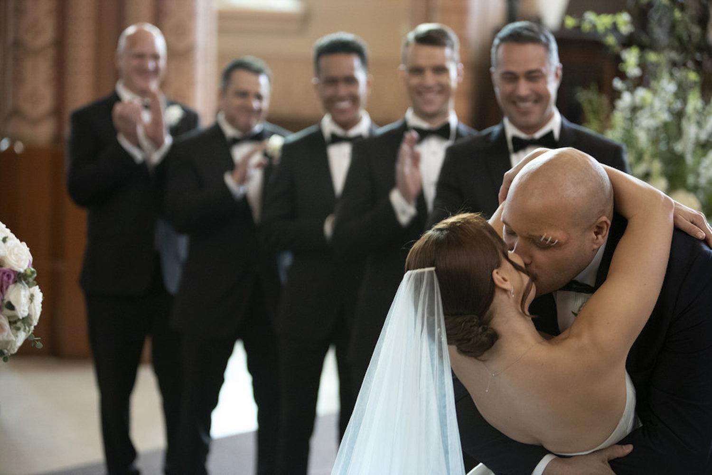 Kristen Gutoskie Joe Minoso Chicago Fire Mariage de Chloe Cruz