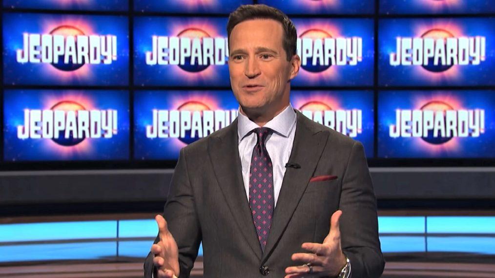 Comment «Jeopardy!»  EP Mike Richards comme hôte invité?  Les ventilateurs pèsent