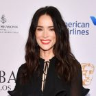 `` Rebel '' ajoute la star `` intemporelle '' Abigail Spencer dans un rôle récurrent et rencontre le casting (PHOTOS)