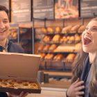 Un garçon rencontre les inséparables du monde Ben Savage, Danielle Fishel Star dans la publicité de la Saint-Valentin de Panera Bread - REGARDER