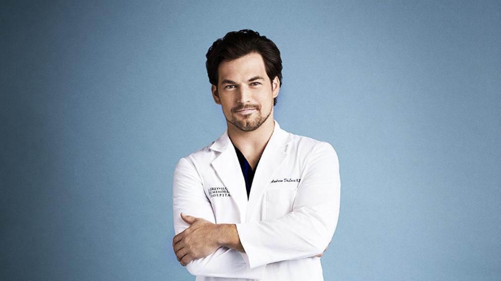 Crossover « Grey's Anatomy » et « Station 19 »: la star Giacomo Gianniotti sur la poursuite dangereuse de DeLuca