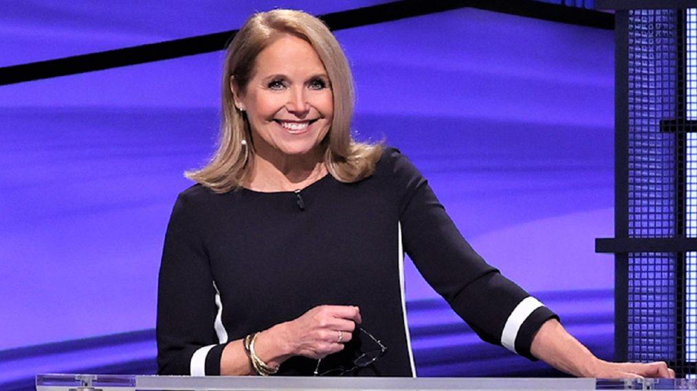 Comment «Jeopardy!»  L'animatrice invitée Katie Couric fait-elle son premier épisode?