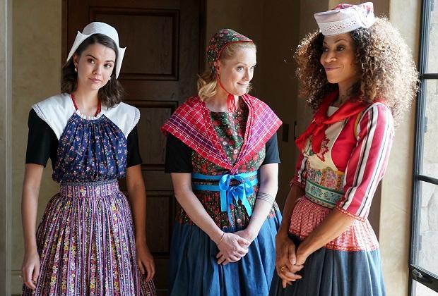Good Trouble: Sherri Saum présente la dernière visite de The Fosters Mamas, taquine l'avenir « effrayant » de Lena et Stef