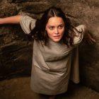 Rebecca Breeds parle du traumatisme en spirale de Clarice: `` Chaque partie de cet épisode était comme sauter d'une falaise ''