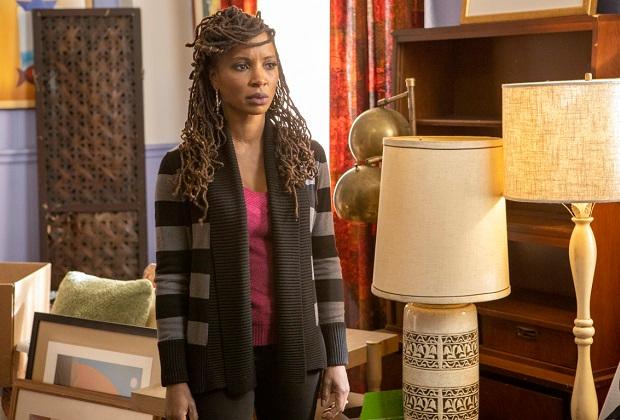 Shameless 'Shanola Hampton présente ses débuts de réalisatrice « bourrés de confitures' 'et taquine la finale de la série « Beautiful' '