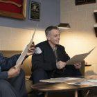 Les stars de 'Chicago Fire' Eamonn Walker et David Eigenberg lors d'appels exceptionnels et du nouveau paramédic de 51 ans