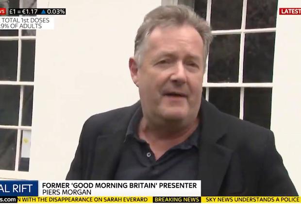 Piers Morgan Stands par Meghan Markle commente, appelle Oprah Interview une « diatribe de cale » – Regarder la vidéo