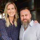 `` Duck Dynasty '' met en vedette Willie et Korie Robertson dans leur nouveau talk-show, `` À la maison avec les Robertsons '' (VIDEO)
