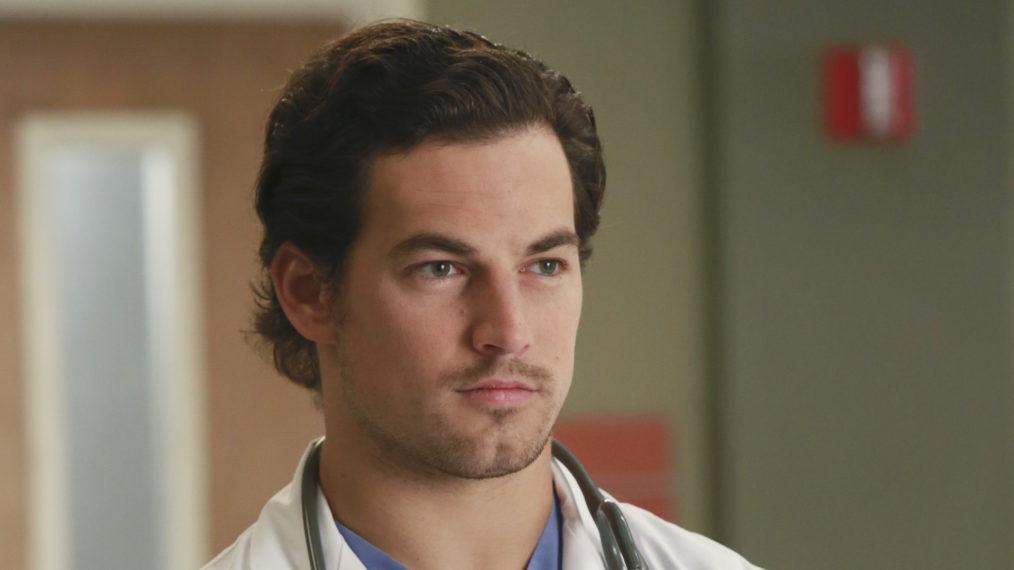 « Grey's Anatomy »: Giacomo Gianniotti sur DeLuca mourant juste comme il était en plein essor et réalisant